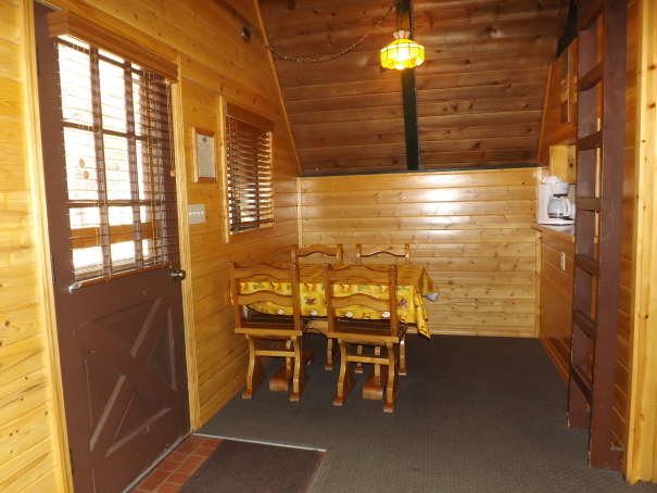 Cabin 12 DR