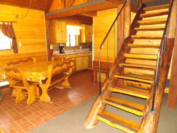 Cabin 14 - DR 2-stairs