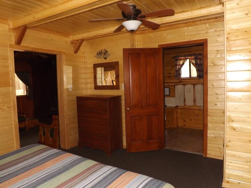 Cabin 5 New Bedroom1