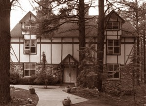Main-Inn-BW